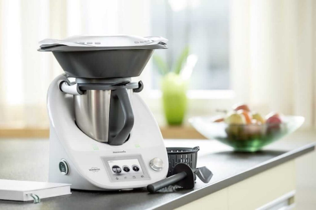 Top Smart Kitchen Appliances that Make Easy Cooking