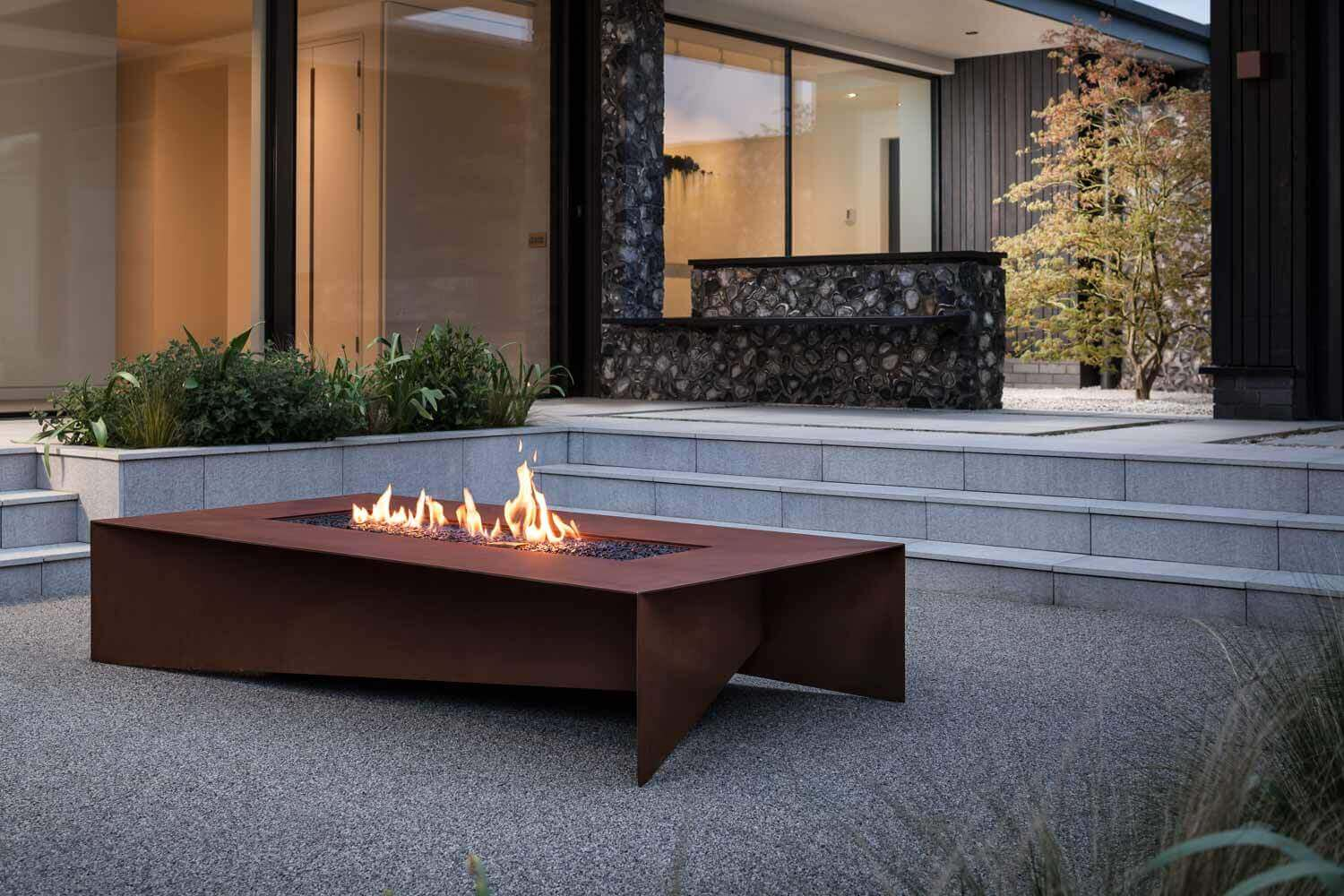 Cool Metal Fire Pit Designs to Warm Up Your Backyard or Patio