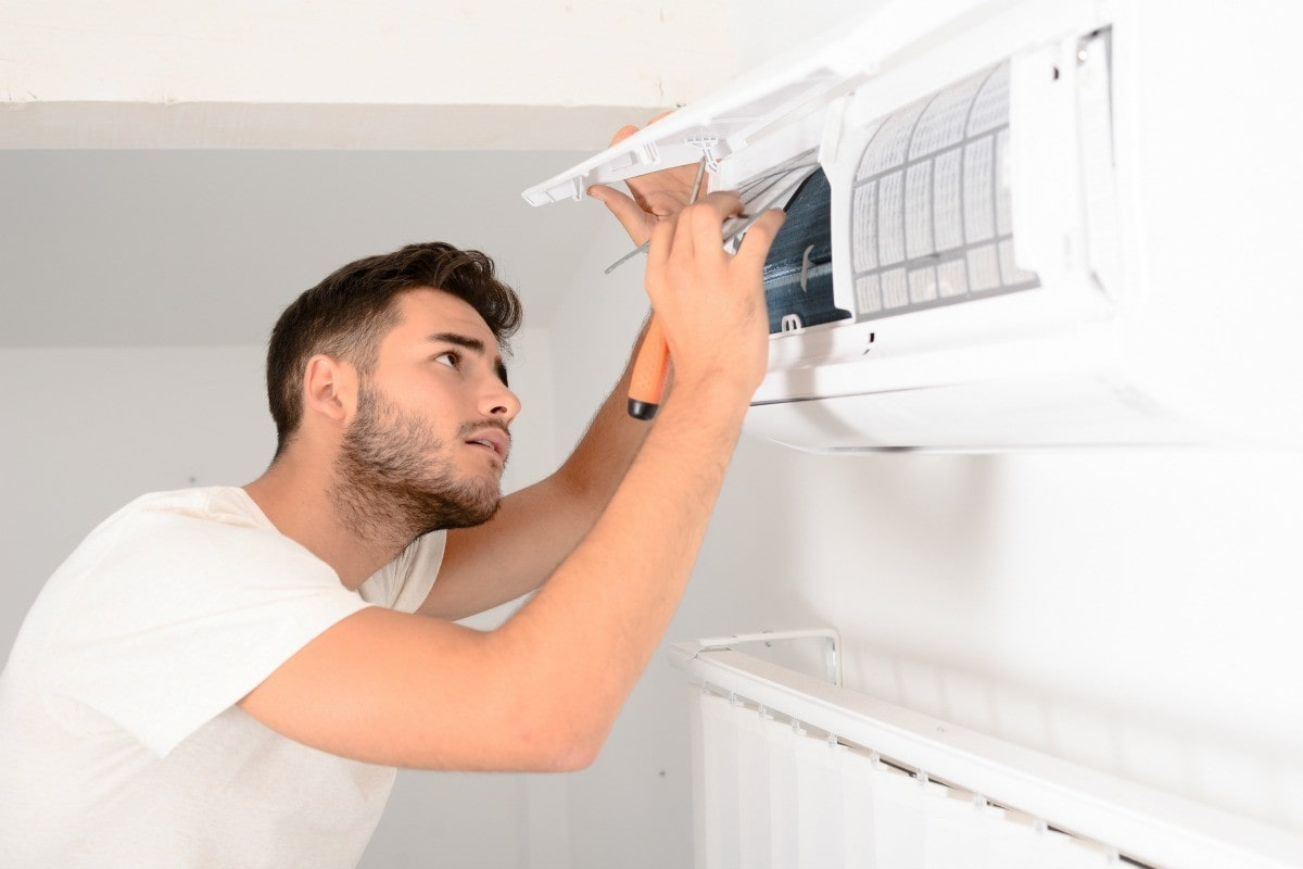 Top Electrical Issues that Can Lead to Air Conditioning Breakdown