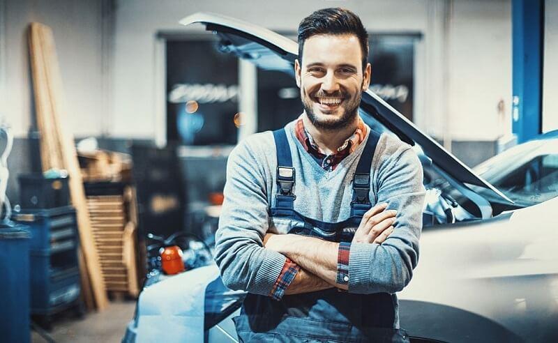 Hire a Car Mechanic to Ensure Best Automobile Service