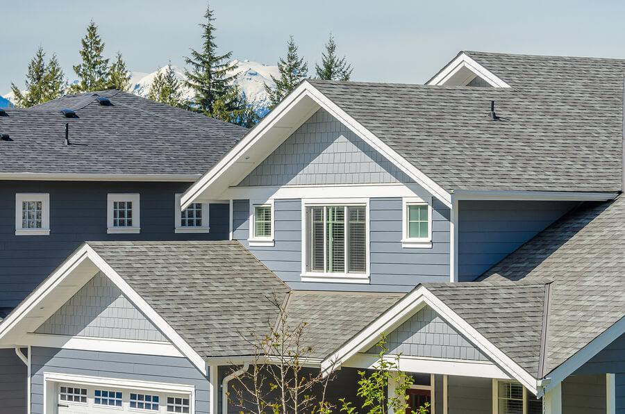 Choosing Sealant for Roof Shingle Repair